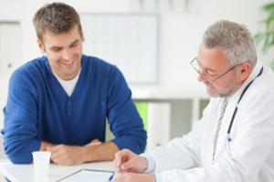 ¿Cómo realiza el urólogo el masaje de próstata?